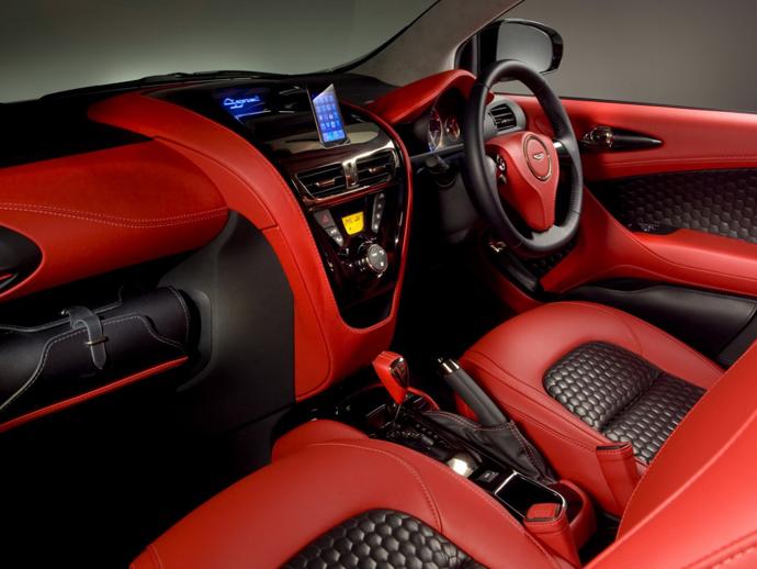 Малолитражка Aston Martin Cygnet - салон авто