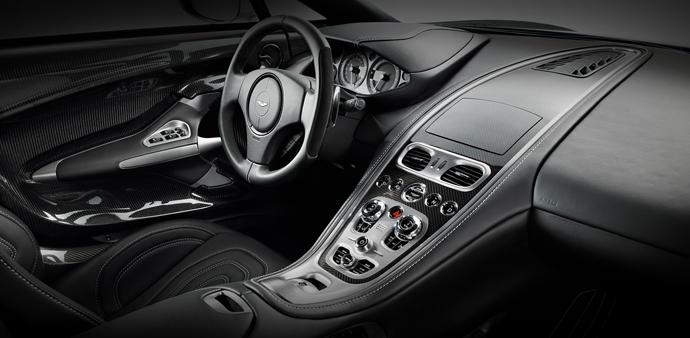Суперкар Aston Martin One-77 салон