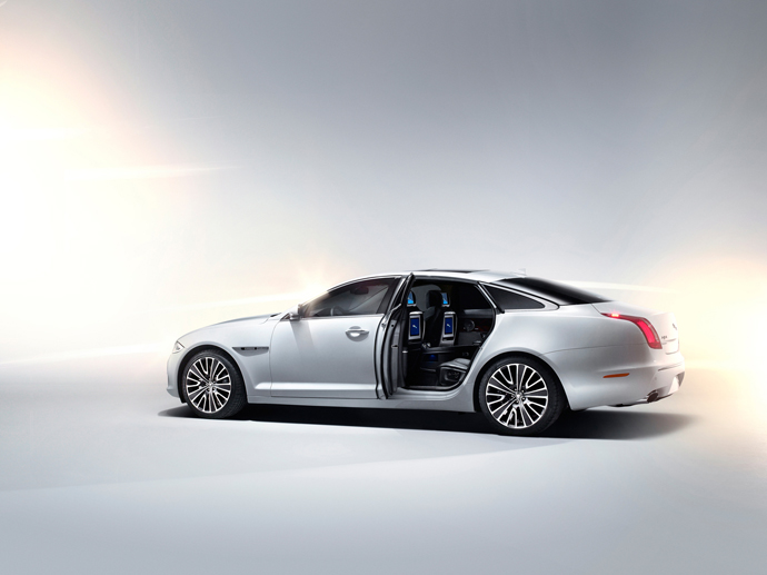 2012-jaguar-xj-ultimate-5
