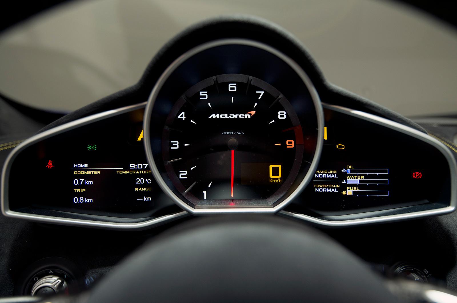 McLaren 650S интерьер