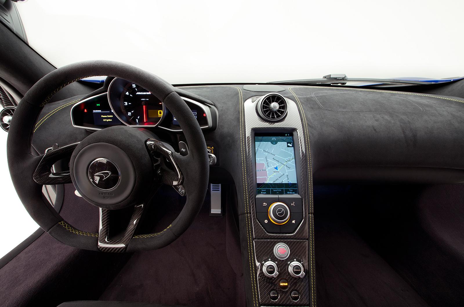 купе McLaren 650S интерьер